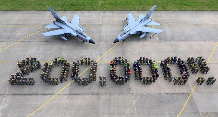 Das Taktische Luftwaffengeschwader 33 in Büchel hat 200000 Flugstunden mit dem Tornado erreicht.
