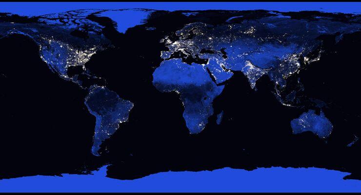 Die Erde Aus Dem All Unser Planet Bei Nacht Flug Revue